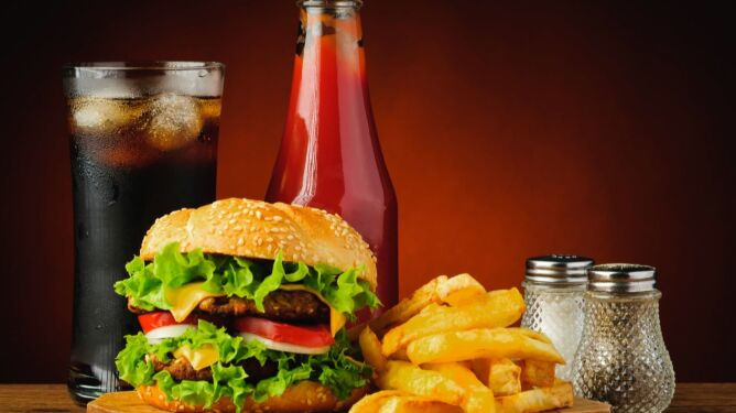 5 najbardziej szkodliwych fast foodów. Zdziwicie się, któremu przypadło niechlubne pierwsze miejsce