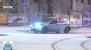W Ostródzie padał tej nocy śnieg (TVN24)
